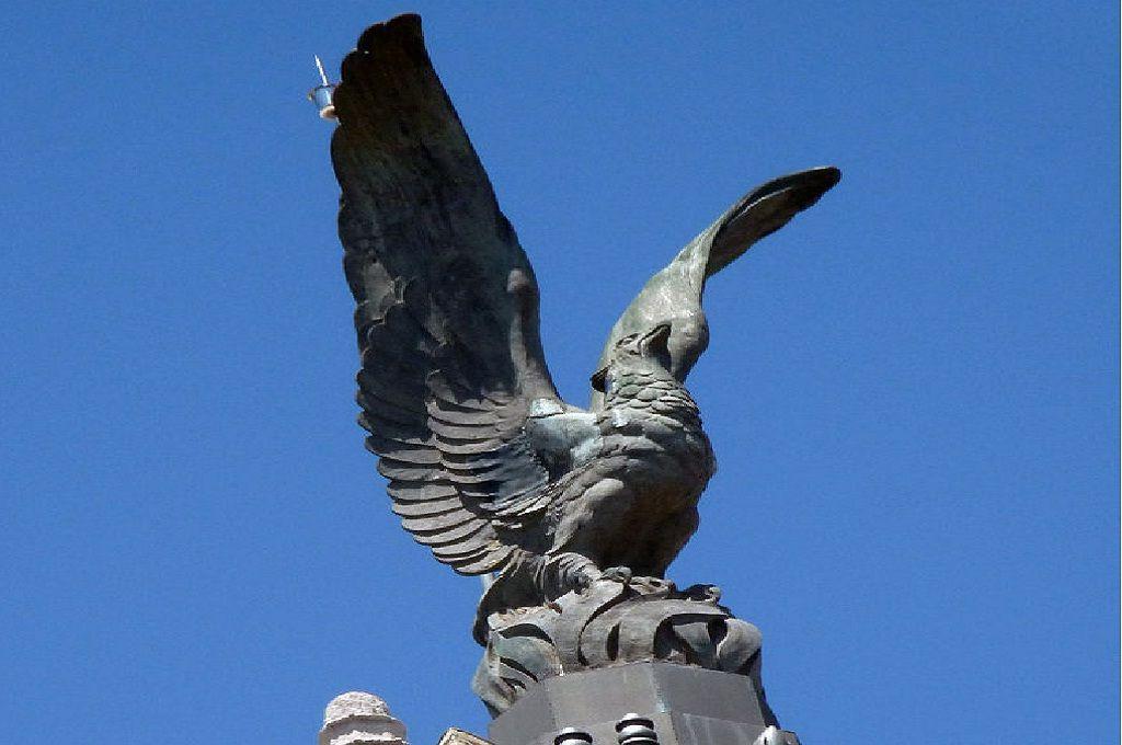 estatuas-de-aves